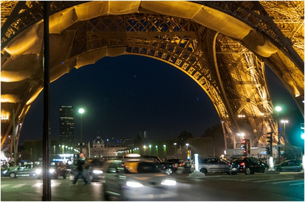 Eiffel tower at night traffic