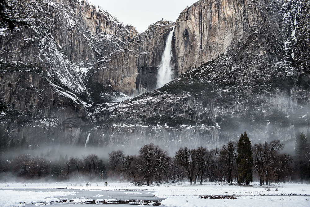 Yosemite Valley: Fog and Snow