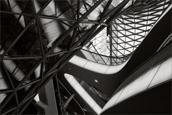 architecture in black and white
