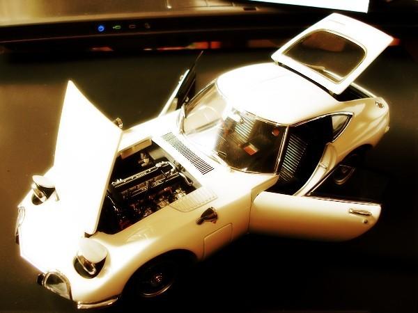 Toyota 1967 2000GT  Die-Cast model