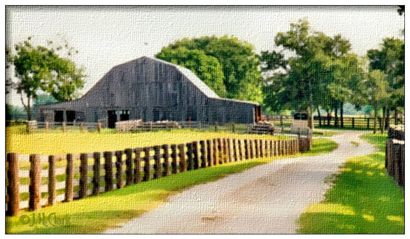 Barn in Lone Oak, TX