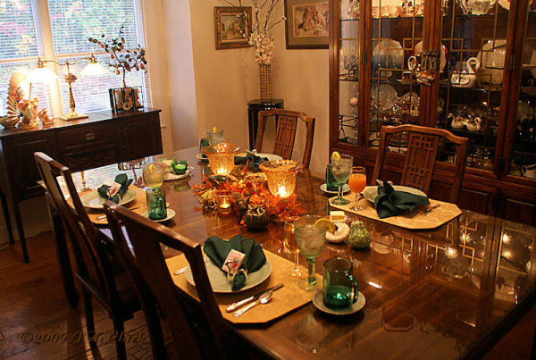 2nd morning's tablescape...