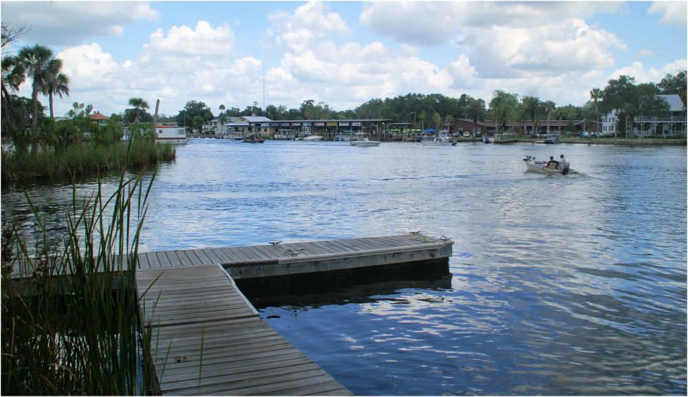 Looking east on the Homosassa River...