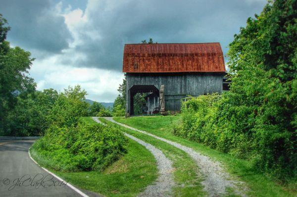 Hayter's Gap Barn 1/5