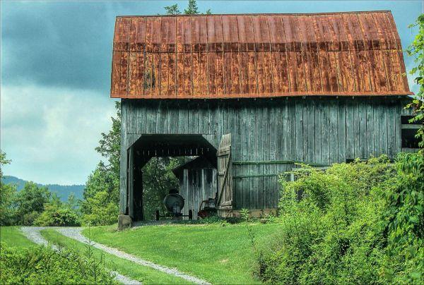 Hayter's Gap Barn 2/5