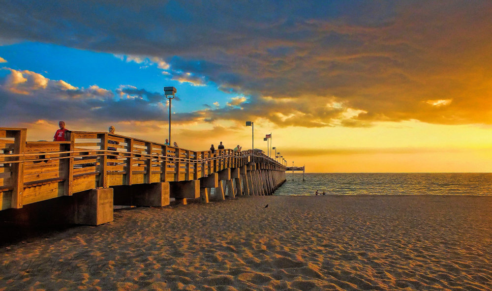 Evening at the Venice pier...