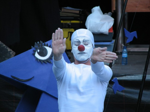 A clown in the streets of Zaragoza