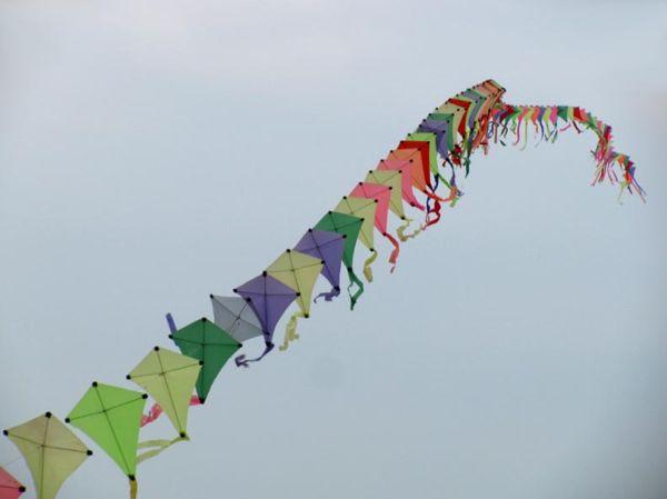 200 Kites