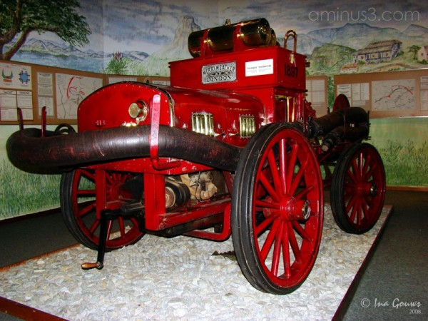 1897 fire engine in military museum