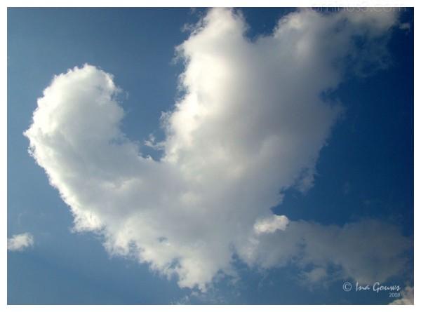 Cloud in a heart shape
