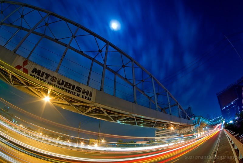 30 second exposure of the Guadalpe Bridge.