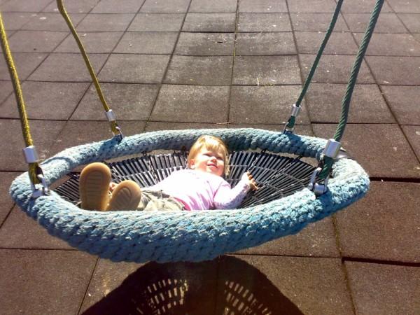 Lexine geniesst die Sonne ...