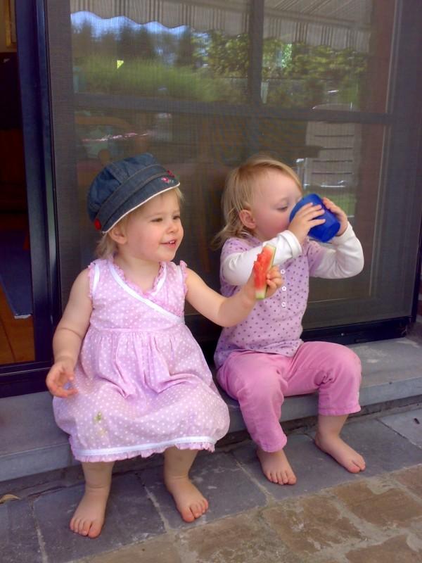 Melone essen und Wasser trinken mit Vicki