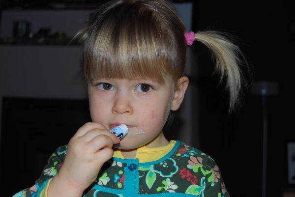Lippenstift und Pippi Zöpfe