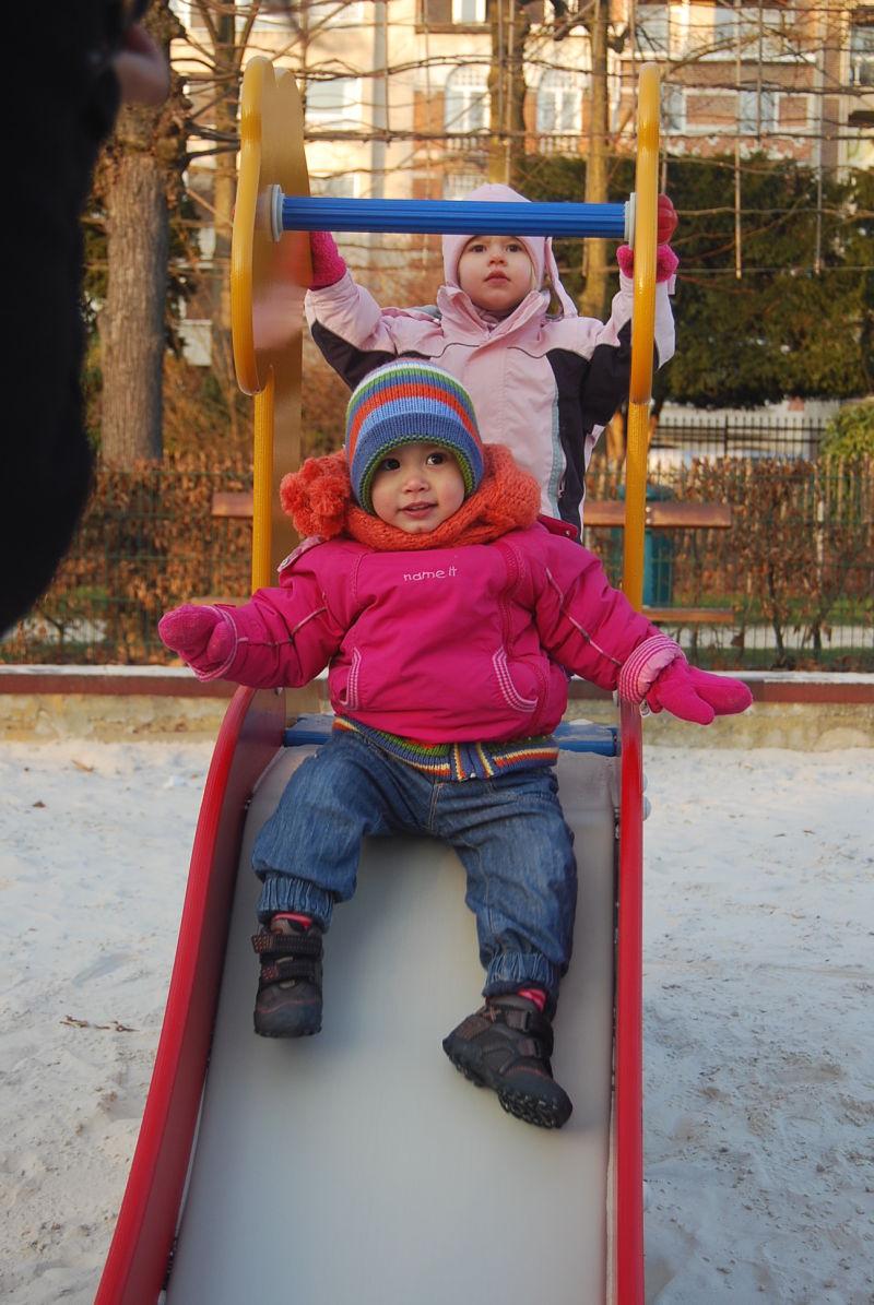 Auf dem Spielplatz mit Riley