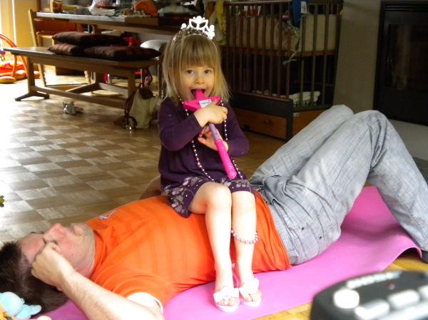 Prinzessin auf dem Papa sofa