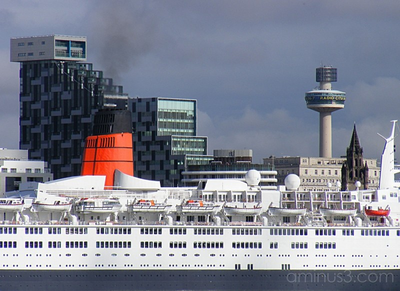 RED-QE2 Liverpool