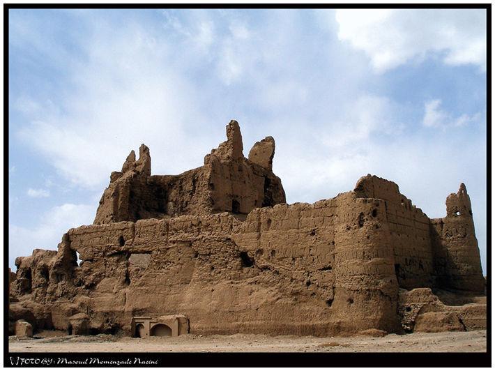 narin ghale'e castle