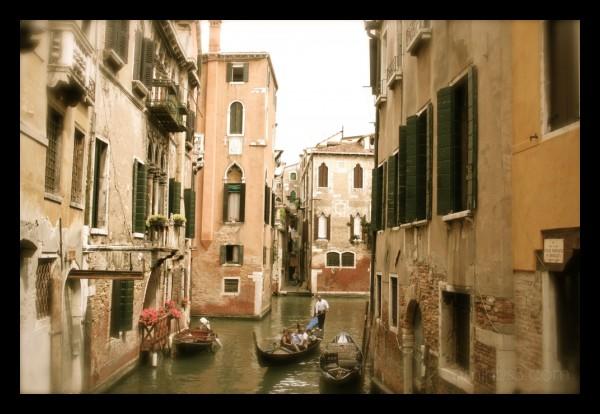venice gondola old-style