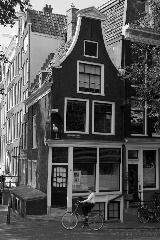 Black and white of a Amsterdam canal house