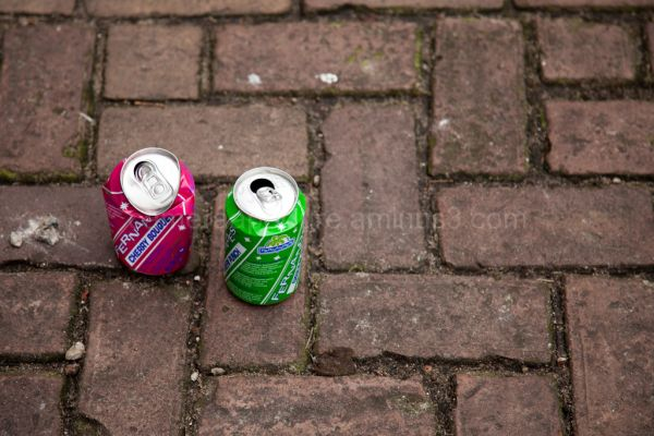 Two cans on an Amsterdam street