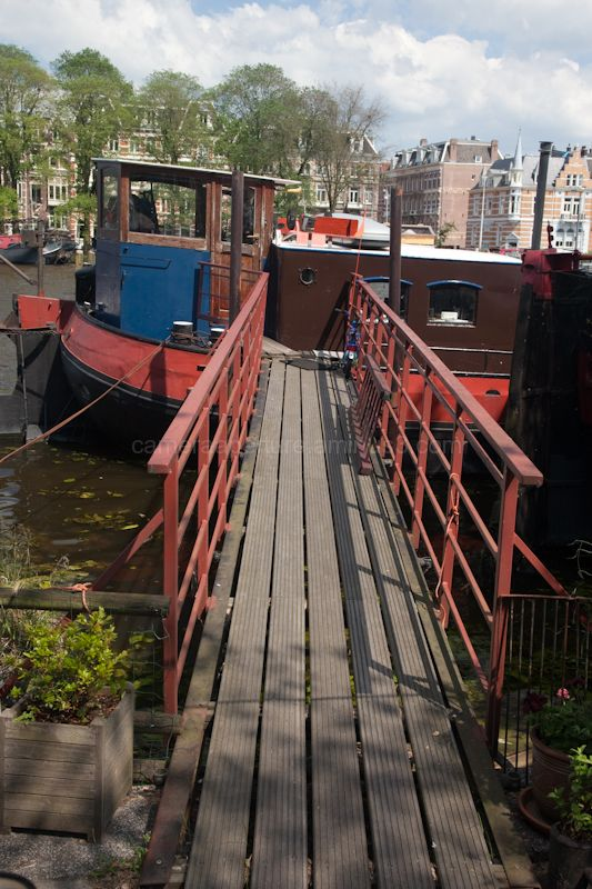 The gangway to a house boat.