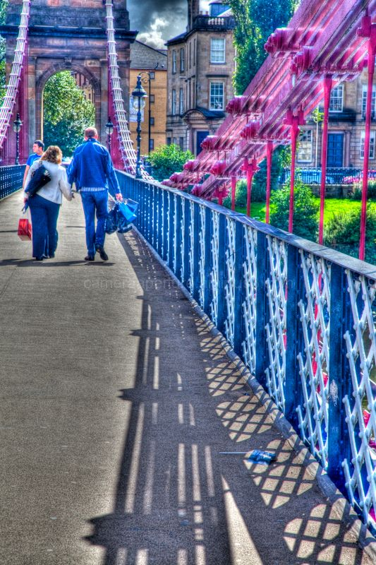 Suspension bridge over the river clyde in Glasgow