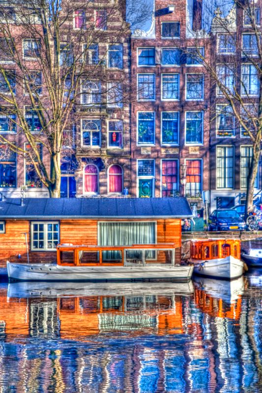 House boat in the city of Amsterdam