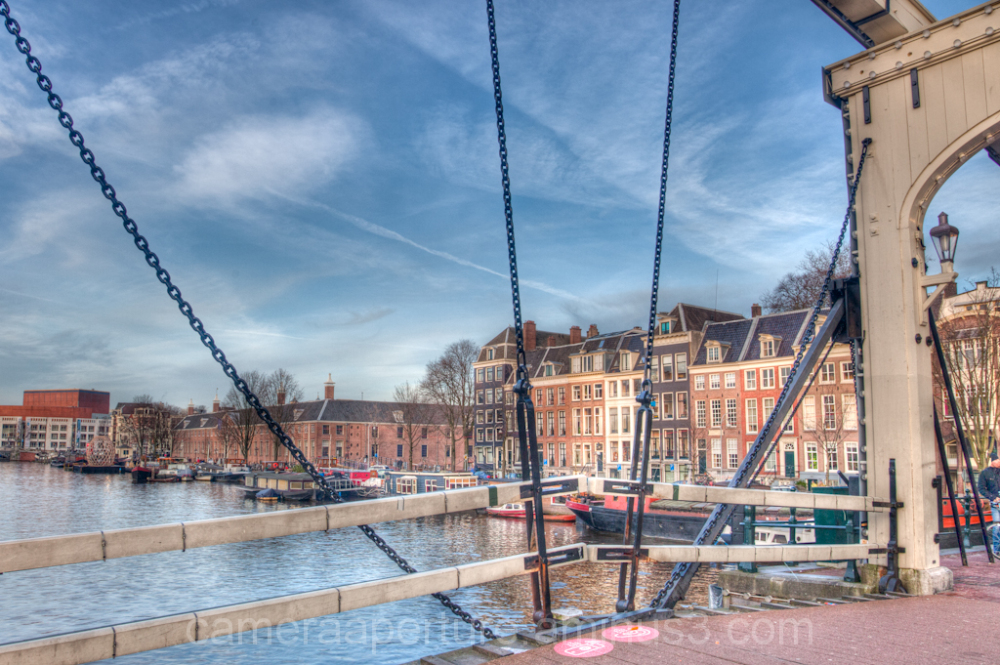A view of the Amstel river from the magere brug