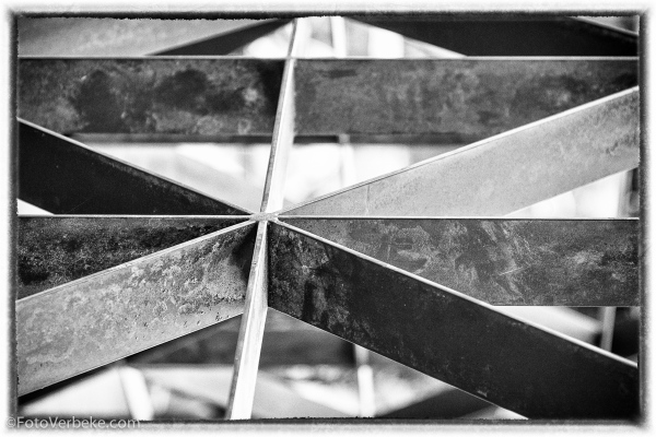 Crosshedge