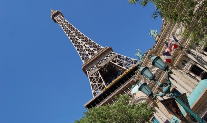 Paris? No!! Las Vegas!