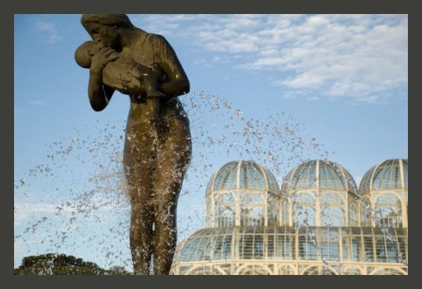 """""""O Beijo"""" Curitiba - Jardim Botanico"""