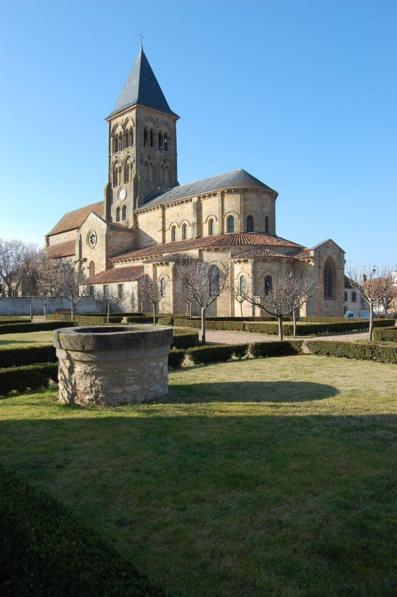 Eglise de Saint-Menoux