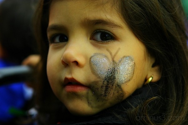 Camila´s face painted