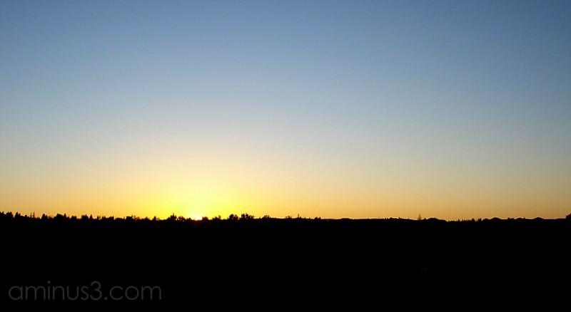 horizon sunset suburb