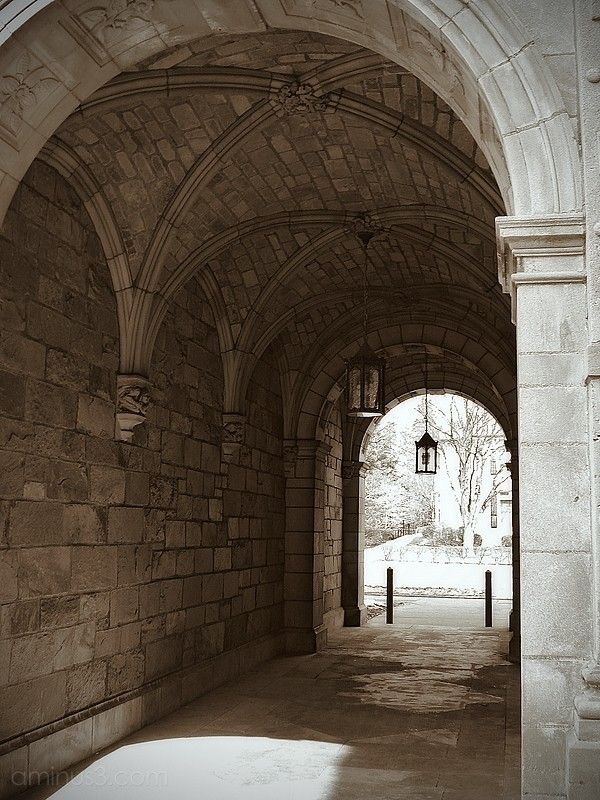 archway arch stone building