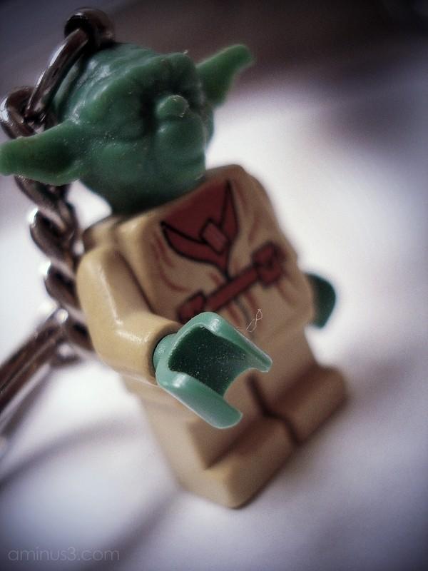 yoda lego keychain