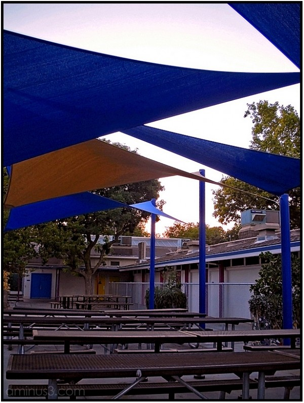 elementary school lunch area benches shade