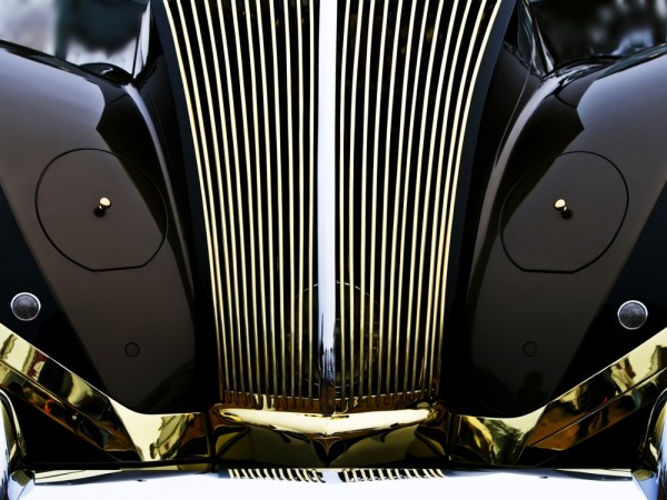 Front end reflection of Rolls Labourdette by Royce