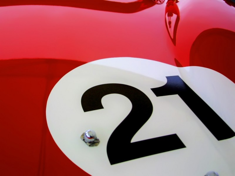 Ferrari 250 LM, rear quarter-panel graphics