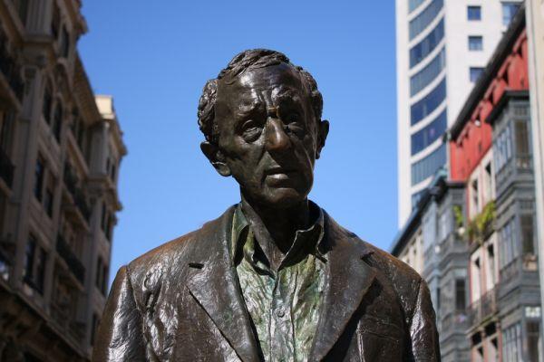 Sculpture of Woody Allen in Oviedo