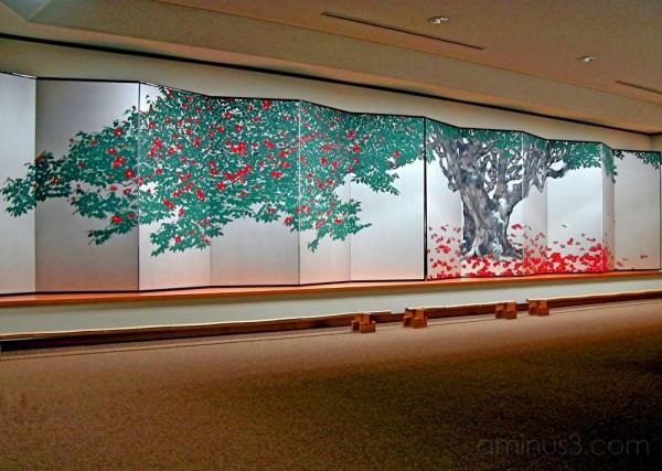 Susumu MAKI's folding screen at Narukawa Museum