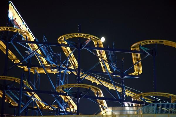 Moon & Roller Coaster at Yokohama Cosmo World