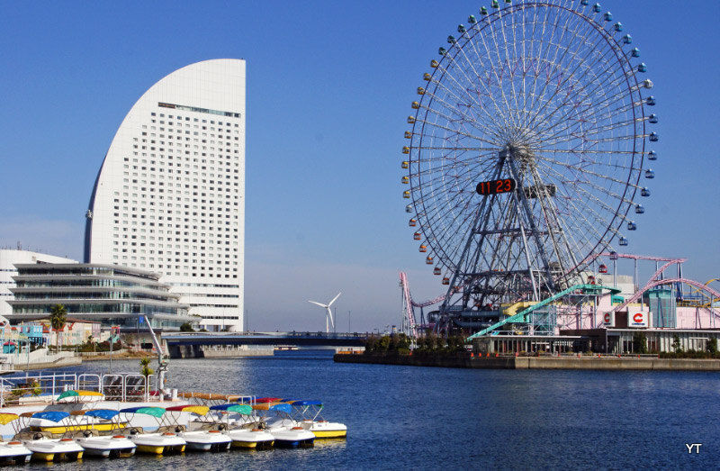 Yokohama, by the bay, on Christmas Day