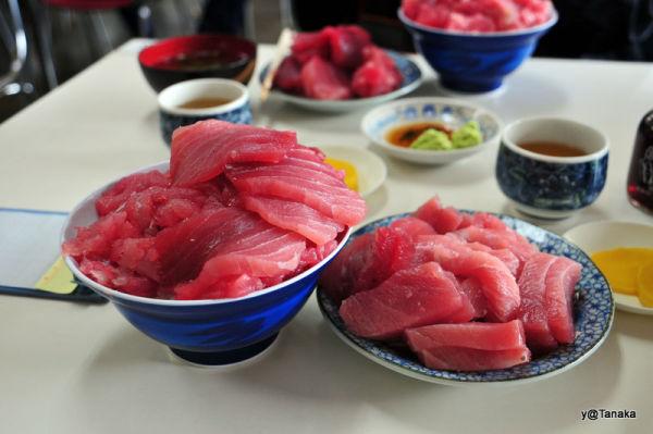 Tuna - raw fish on rice for lunch,Asamushi