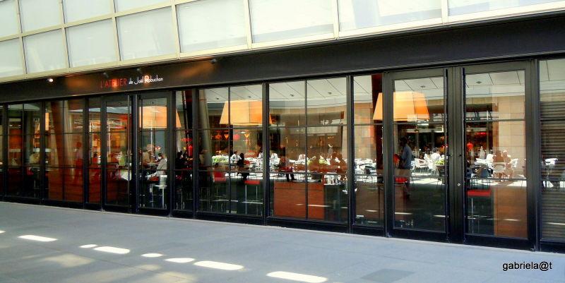 Stylish restaurant in Tokyo's Ark Hills area