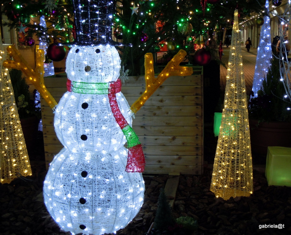 The Snowman just before Christmas