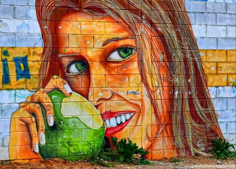 Graffiti - The green apple