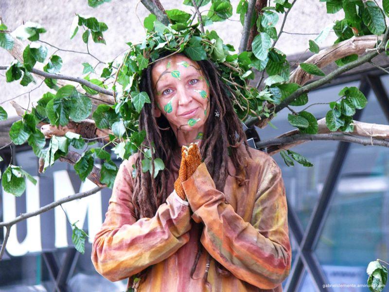 Die Baum Frau