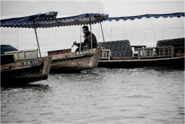 boat west lake hangzhou china